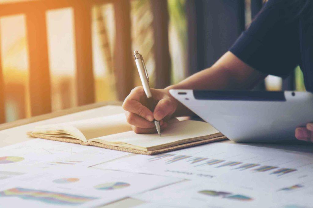 atrair clientes - escrevendo